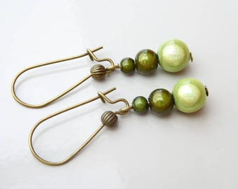 Earrings sleepers magic beads in shades of green