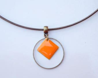 crew neck semi rigid pendant enamelled sequin and bronze colored orange