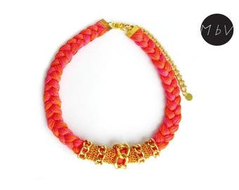 Fashion Jewelry Modern Pink Orange Coral Peach Bib Necklace with Metal Chain and Cotton