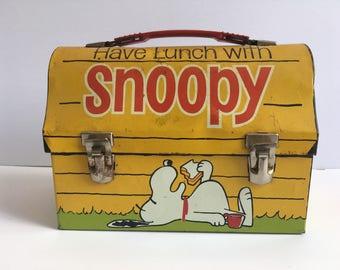1968 Vintage Snoopy metal lunchbox