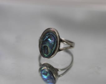 925 - Vintage Abalone Southwest Ring in Sterling Silver - Size 7.25