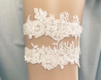 Lace Wedding Garter set, ivory bridal garter, vintage floral lace bridal garter