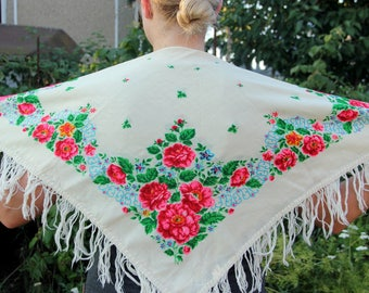 floral scarf Wool scarf Vintage shawl Vintage Ukrainian shawl Russian shawl grandmother gift made in ussr Shawl white shawl