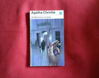 Agatha Christie - At Bertram's Hotel (Fontana 1975) - Miss Marple