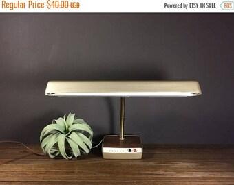 SUMMER CLEARANCE SALE Vintage Metal Gooseneck Desk Lamp Industrial Look / Midcentury Vintage Metal Lighting For Office Gooseneck Lamp / Indu