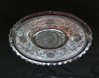 Anchor Hocking Sandwich Glass Oval Bowl