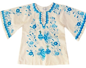 1970s Embroidered Peacocks Vintage Mexican Tunic Top Angel Sleeve Caftan Blouse MEDIUM