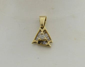 10k Yellow Gold Abstact Diamond Pendant(02902)
