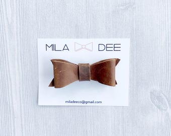 Brown Leather Bow on a Alligator Hair Clip • leather bow • bow clip  • alligator clip • girl hair clip • baby accessories • baby shower