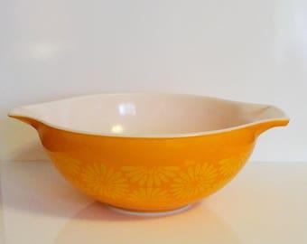 Vintage Pyrex Sunflower Cinderella Mixing Bowl 442 ~ Pyrex Daisy Nesting Mixing Bowl ~ Orange Pyrex Yellow Flowers ~ Retro Daisy Bowl 1.5 QT