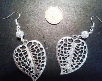 pair of earrings for pierced leaves