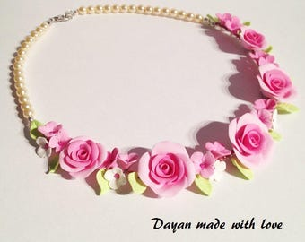 Nacklace with Roses