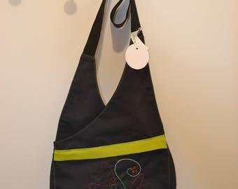 shoulder strap handbag