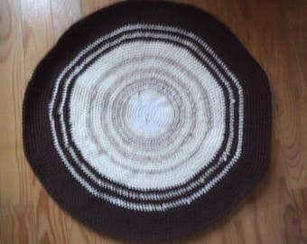 Brown and beige rug round crochet