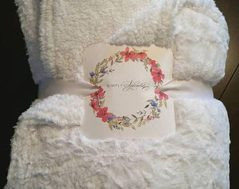 Minky Faux Fur Blanket - Luxe Cuddle Marble Snow, Sherpa White - LARGE, XL Adult - Incredibly Soft and Cozy, Modern, Beautiful