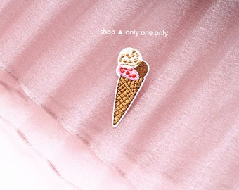 TRIPLE ICE CREAM -- Handmade Embroidered Patch Brooches Pins/Fabric Badge/Iron-On Patches/Food/Dessert/Cone/Chunk