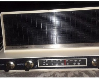 Vintage Sears Silvertone solid state am/fm radio
