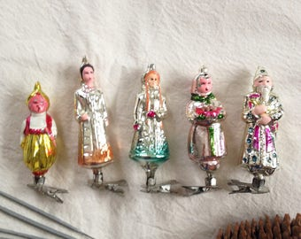 Pin Christmas ornaments set of 5. Peoples in national costumes ornamets. 5 pins christmas gift
