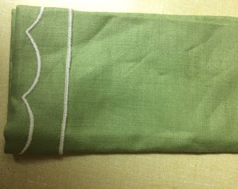 Linen, Vintage green round table cloth, 4 matching napkins
