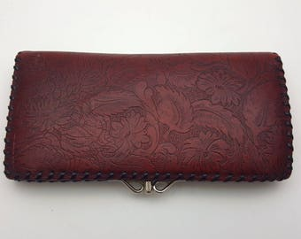 Leather Wallet with Detailed Floral Carved Design Coin Purse Handbag Vintage Dark Red Retro Bag Flowers