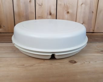 Vintage Tupperware 70s Beige Party Platter Divided Sections Large Round Vegetable Tray Dip Space Container Canada Mod Retro Kitchen Crackers