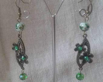 "Earrings ""flowers and green beads"""