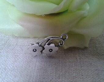 set of 7 silver metal flower charm