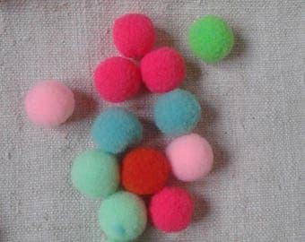set of 10 balls, 15 mm polyester tassels