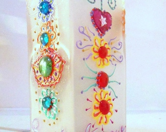 """""""Smile"""" table square glass 11 X 11 X 22 cm with glass paint and embossed decor lamp"""