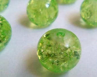 22 8 m green Crackle glass beads