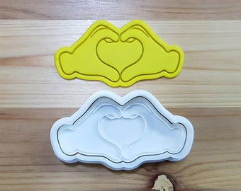 Two Hands Heart Cookie Cutter and Stamp