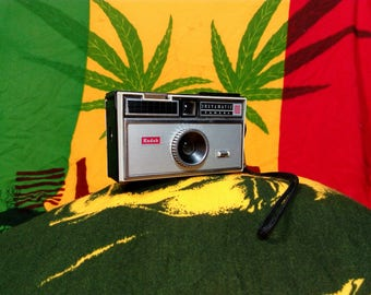 RARE!!! Vintage 60's Camera Kodak Instamatic 100, 126 film (Kodakpak) Cartridge