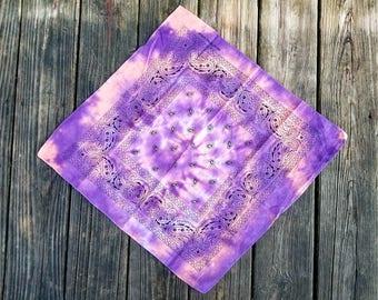 Tie dye bandana, tiedye, paisley bandana, colorful bandana, tie dye hanker-chief, trippy bandana, boho hair wrap, hippie bandana, cheap gift