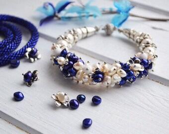 Blue white pearl bracelet