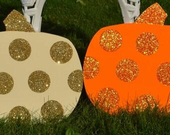 2 polka dot glitter pumpkins yard stakes pumpkin yard signs halloween yard art halloween outdoor - Halloween Garden Stakes