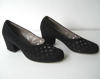 Vintage 40 's/50 's suede Court shoes in size 37 eu/uk 4