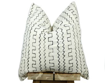 Authentic African Mudcloth Pillow Cover, African Mud Cloth Pillow | Cream & Black | 'Mali'
