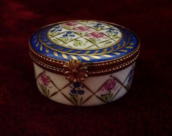 "Exquisite Limoges Hand Painted ""Peint Main"" JD Dumont Trinket Box"