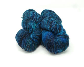 Howling at the Moon- 4ply Spark hand dyed yarn – Superwash 75/20/5% Merino / Nylon / Lurex