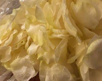 gorgeous Lime Sherbet white confetti artificial flower petals x 1000 pcs