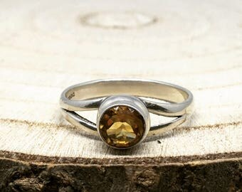 0.76ct Citrine 925 Silver Ring Size R-S
