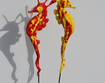 red seahorse stake