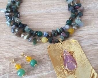 Multicolor beaded necklace/ multicolor necklace / agate necklace/ Handmade necklace / necklace / statement necklace/bridal