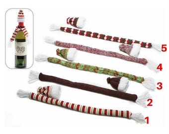 A colorful wool scarf and hat set for 3 Christmas bottle)
