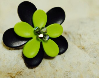 ring double flowers lime and black