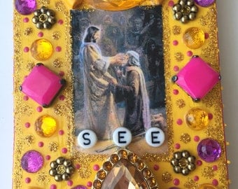 SEE (yellow & fuschia)/Unique wall hanging, Handmade, Religious craftwork, Faith gift, Contemporary, Upcycled items, Tin, Chains, Beads