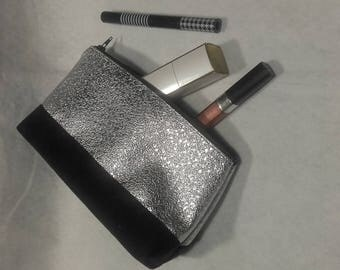 """Vanity case with """"a bit of Christmas"""""""