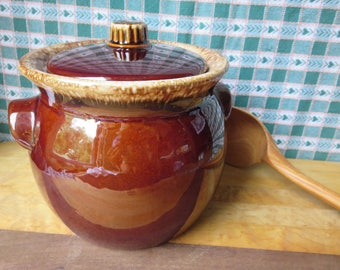 Great Vintage Hull Two 2 Quart Brown Drip Glaze Bean Pot Signed Oven Proof USA