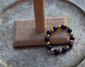 Round Faceted Lapis Lazuli and Brass Beaded Elastic Bracelet