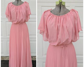 Vintage 70's Dusty Pink Maxi Dress || Pink Pleated Accordion Gown || Flowy Bat-Sleeve Full Length Dress